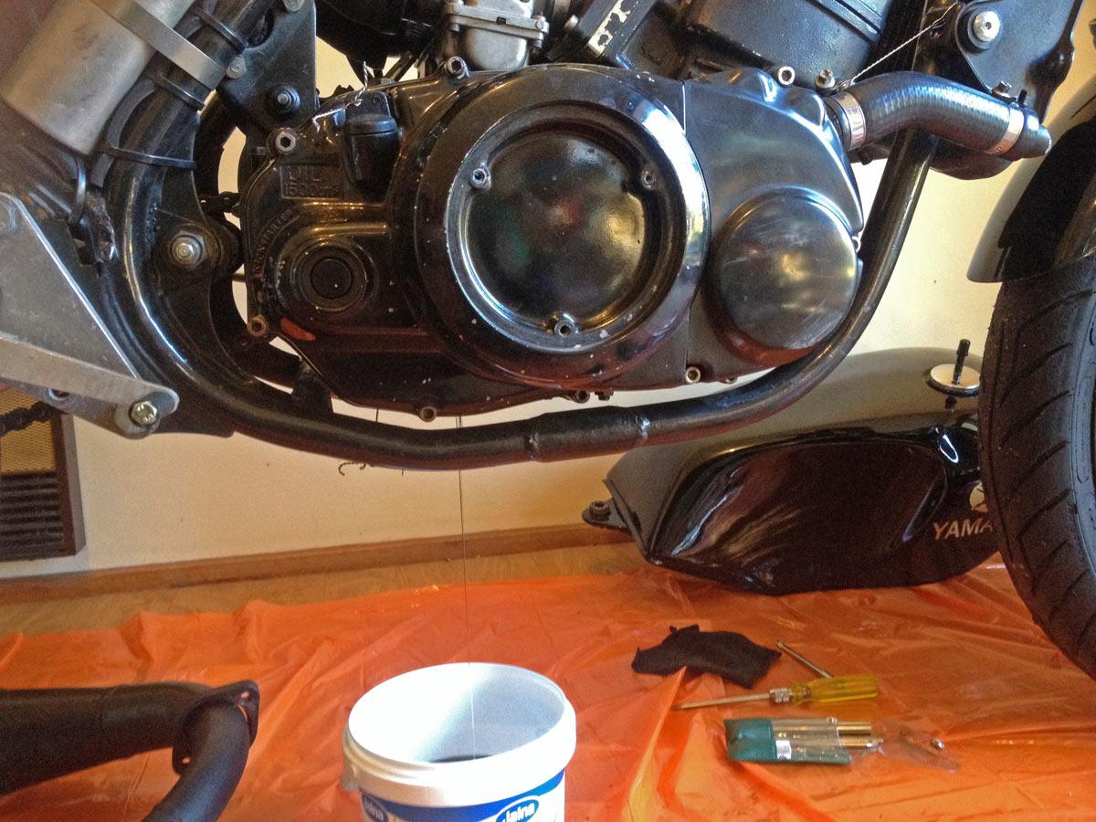 Fixing a motorbike (wet) clutch: Yamaha RD250LC – TGR: Team