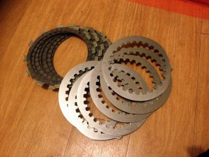 New EBC heavy duty friction plates (bottom) and standard Yamaha RD250LC plates