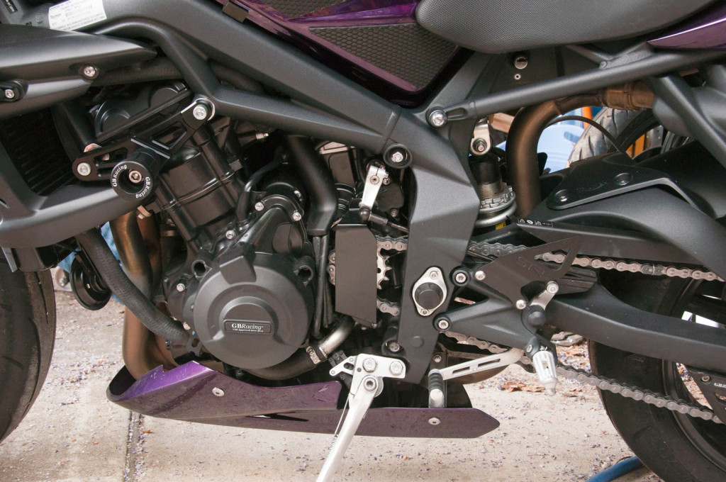 2012 Street Triple: front sprocket cover